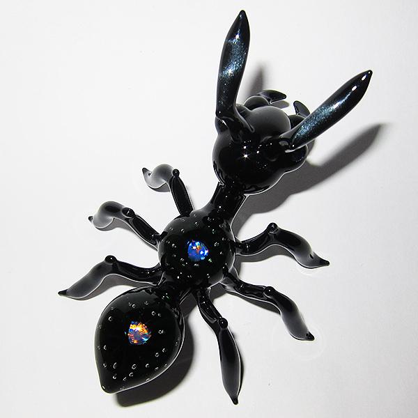 Lucas Mahoney – Airtrap Mega Ant (2014)