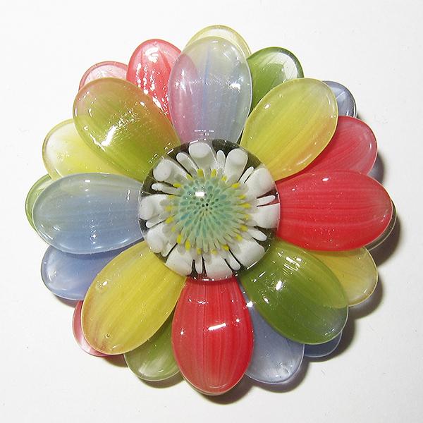 Maki Kawabe pendant - Rainbow Flower (2014)