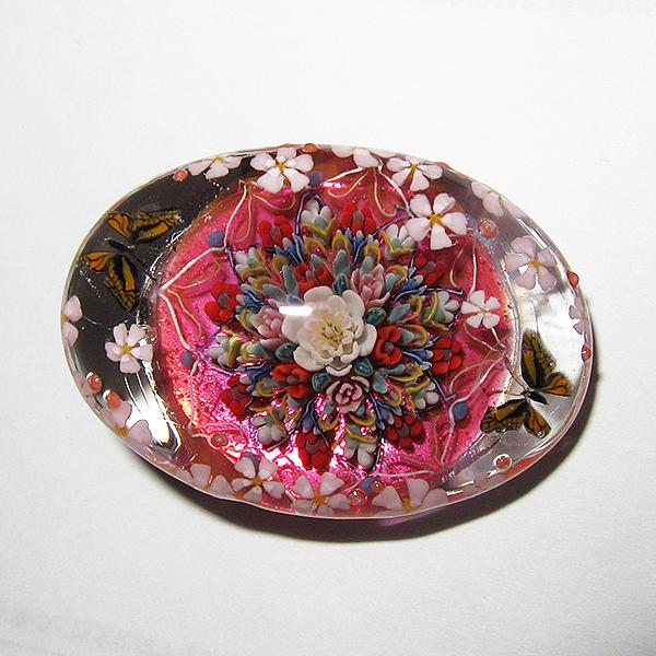 Tomomi Handa brooch