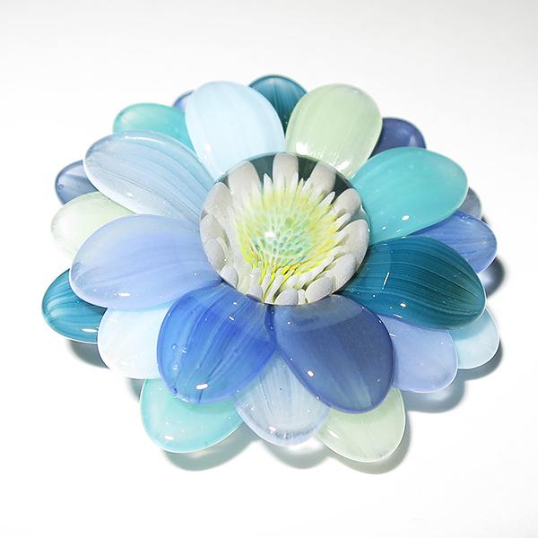 Maki Kawabe – Rainbow Flower Pendant