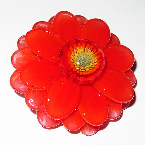 Maki Kawabe – Red Flower Pendant