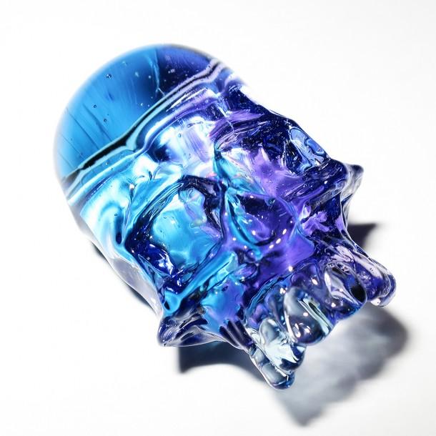 Akihisa Izumi / Akio glass skull pendant (2015)