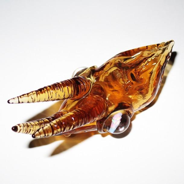 Akihisa Izumi / Akio glass Jackson's chameleon skull pendant (2016)