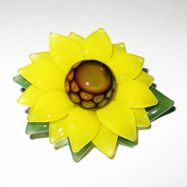 Maki Kawabe – Sunflower Pendant (2016)