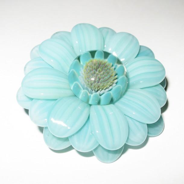 Maki Kawabe glass – Flower pendant (2016)